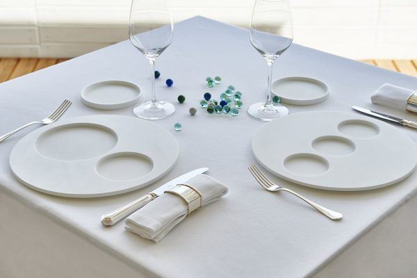 Ciesse-srl-solid-surface-kitchen-infinito-white-loona-dishes